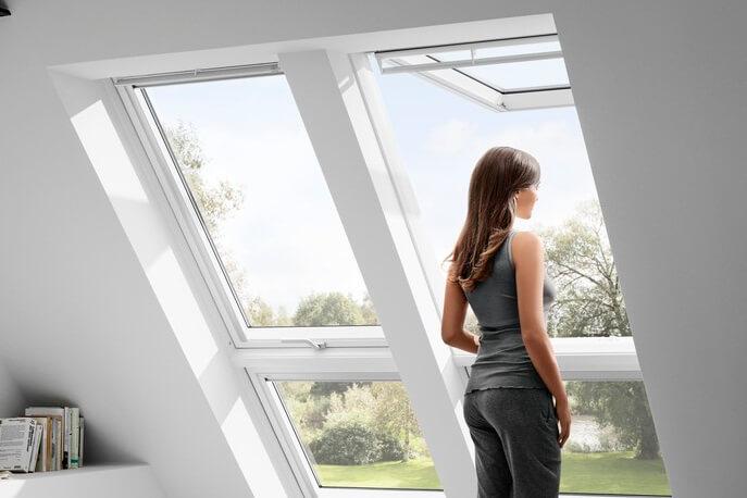 velux gpu klapp schwingfenster aus kunststoff von perfekt. Black Bedroom Furniture Sets. Home Design Ideas