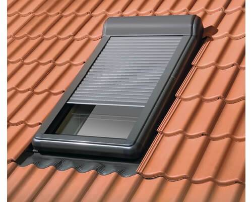 Dachfenster von Fakro FAKRO Außenrollladen ARZ Solar – Solar gesteuert