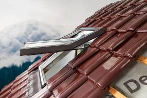 """Kunststoff (PVC) """"SKYLIGHT PREMIUM"""" Dachfenster und Eindeckrahmen"""