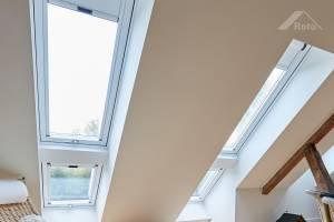 Roto Designo Quadro R89GK WD ALKlapp-Schwingfensteraus Kunststoff 3-fach Verglasung mit Anti-Tau-Effekt